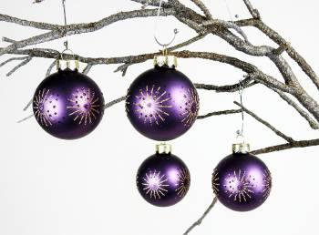 Lilla silkematte juletræskugler med guld deko Ø 6 cm
