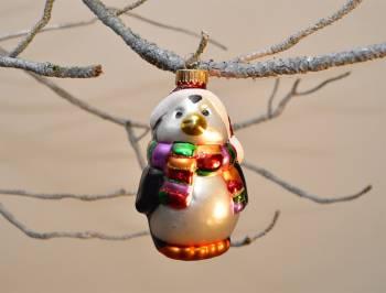 Pingvin med tørklæde mundblæst glas juletræskugle