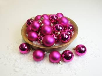 Pink silkematte og blanke juletræskugler mix Ø 4 cm