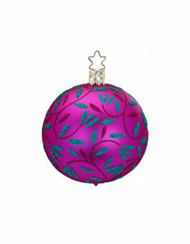 Silkemat pink juletræskugle med bladgrene