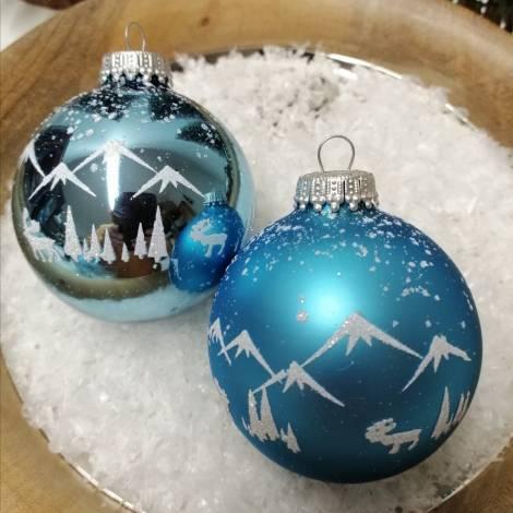 Alpinblå juletræskugler med sne landskab Ø 7 cm