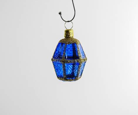 Blå buttet lanterne juletræskugle med glas vinduer