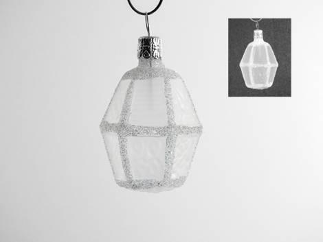 Hvid buttet lanterne juletræskugle med glas vinduer