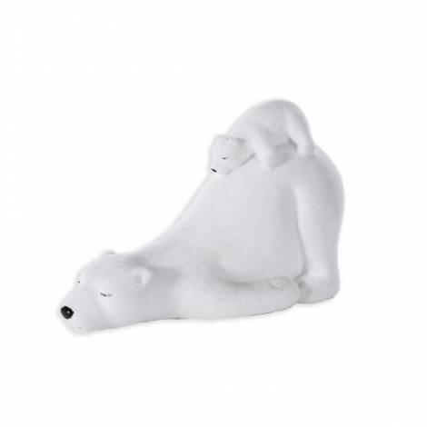 Isbjørn med unge på bagdelen
