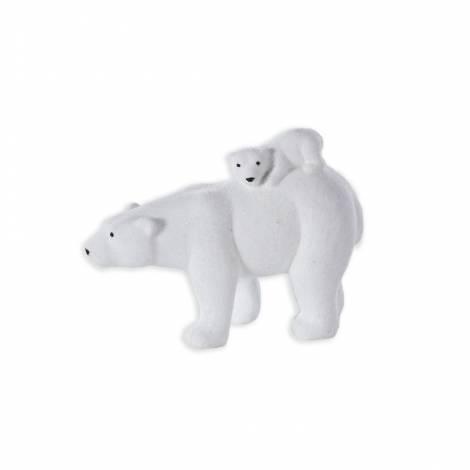 Isbjørn med unge på ryggen