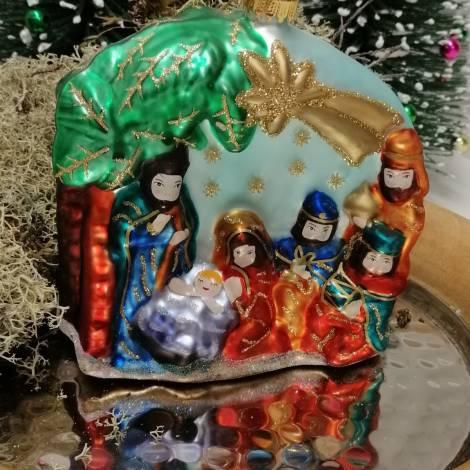Julekrybbe juletræskugle i mundblæst glas 10 cm