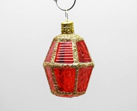 Rød buttet lanterne juletræskugle med glas vinduer