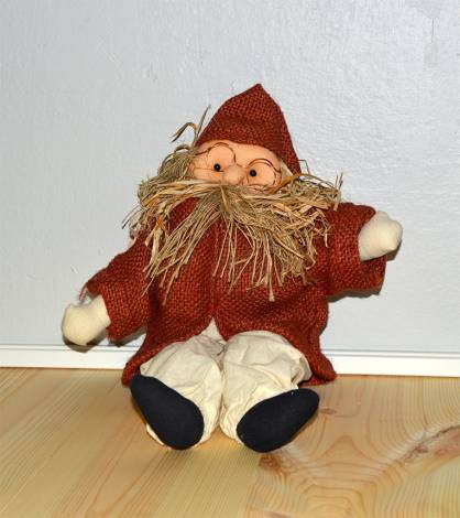 Smuk gammel julemand i antik rød lille